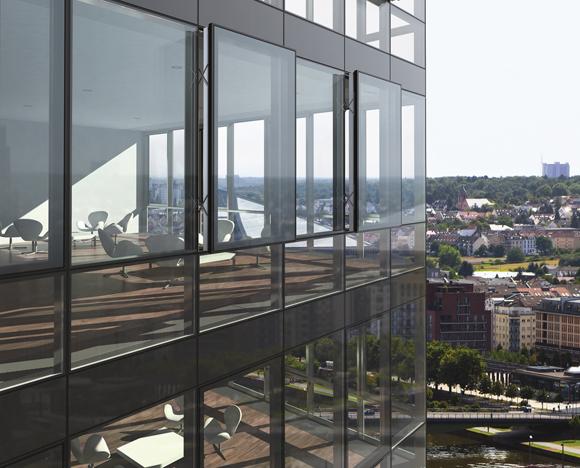Facciate in vetro strutturale – Confortevole soggiorno nella casa